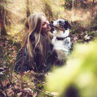 Vanessa Mund mit ihrem Hund Ivy